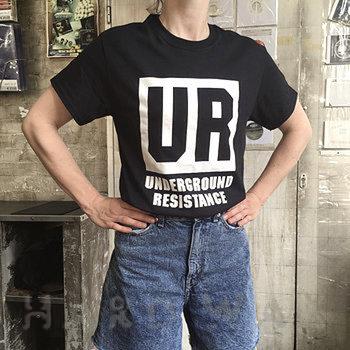 Cover art - T-Shirt, Size M: UR Black